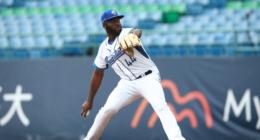 Henry Sosa, baseball pitcher for Fubon Guardians